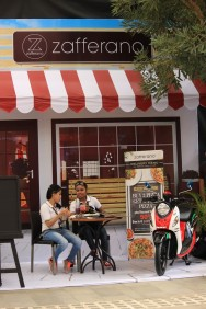 Booth New Fino 125 Blue Core di event launching di Mall Ratu Indah Makassar (2)