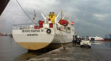 Kapal Pelni bersandar di Pelabuhan Sunda Kelapa