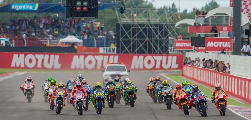 Yang melaju dan terjatuh di motoGP seri Argentina (Videorace)
