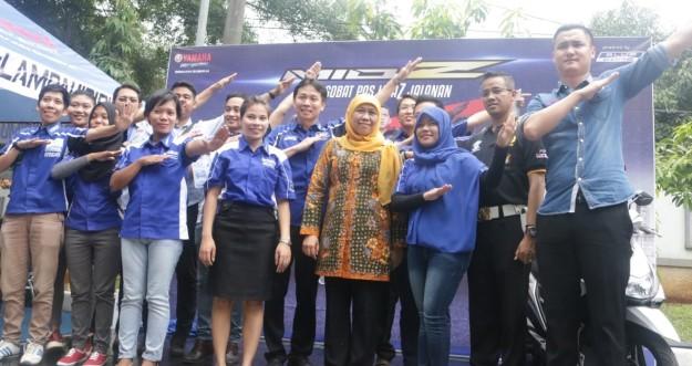 Menteri Sosial RI Khofifah Indar Parawansa hadir dalam pelaksanaan tes uji SIM C dengan Mio Z dan mini launching Mio Z oleh Yamaha DDS Jakarta (5)