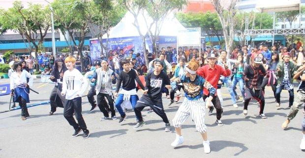 Flashmob launching Mio Z