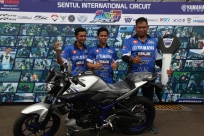 Juara Umum YSR 250cc Pro Riders Wilman Hammar dengan hadiah 1 unit MT-25