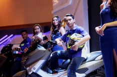 imanuel-pratna-menunggangi-nmax-di-indonesia-motor-show-imos-2016