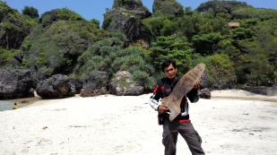 Pantai Siung dengan hamparan pasir putih