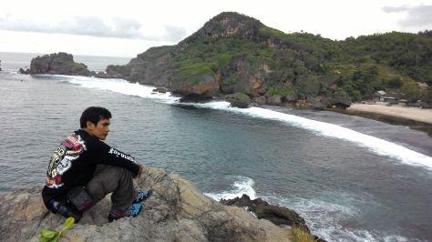 Panorama Samudera Hindia dan Pantai Siung