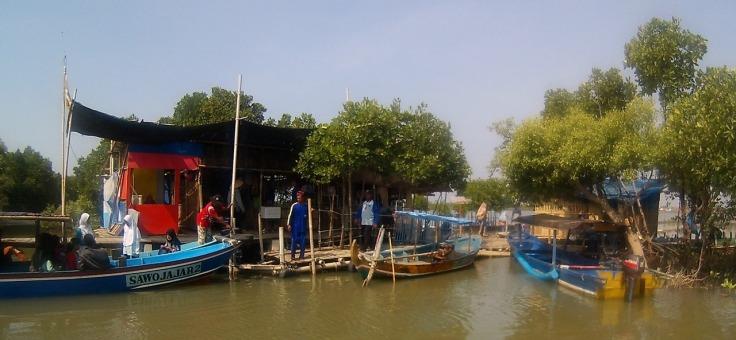 Demaga penyebrangan menuju Pulau Cemara