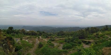 Panorama alam yang indah dari atas Tebing Breksi