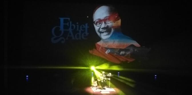 Renungan Cinta dalam Konser Musik dan Puisi Ebiet G Ade