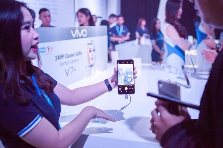 Foto 4 - Momen Sempurna Peluncuran Vivo V7+