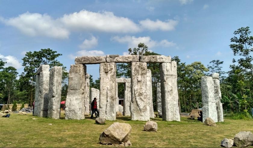 Stonehenge ala Sleman