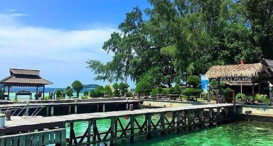 Dermaga Pulau Pelangi
