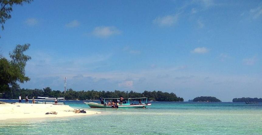Pantai Pulau Pelangi1