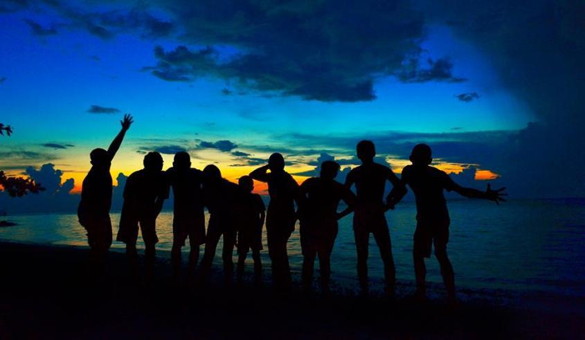 Menikmati senja di Tanjung Gelam