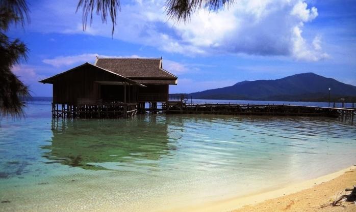 Memandang Kepulauan Karimunjawa dari kejauhan
