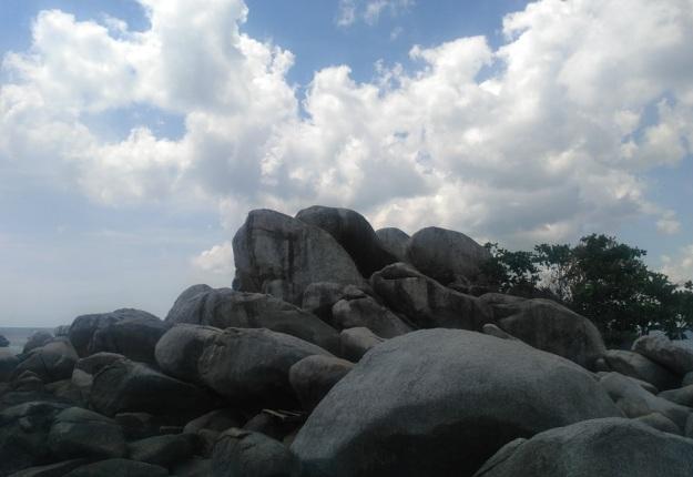 Pantai Tanjung Tinggi Belitong