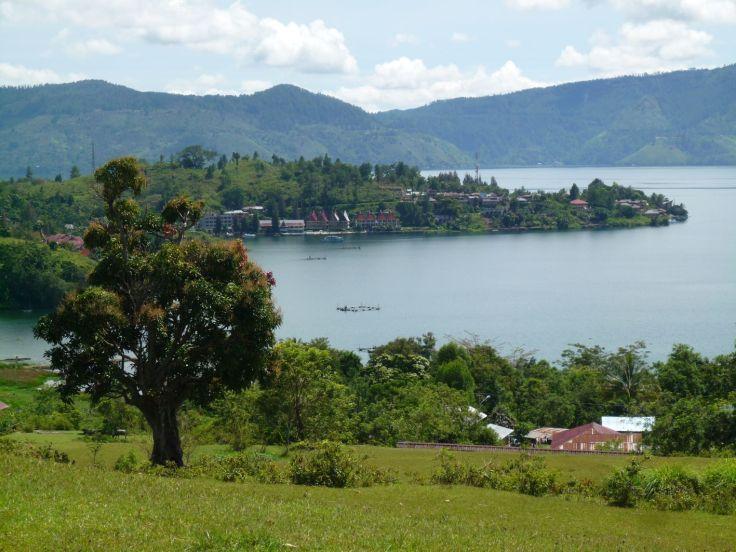 Bukit Beta dan danau Toba