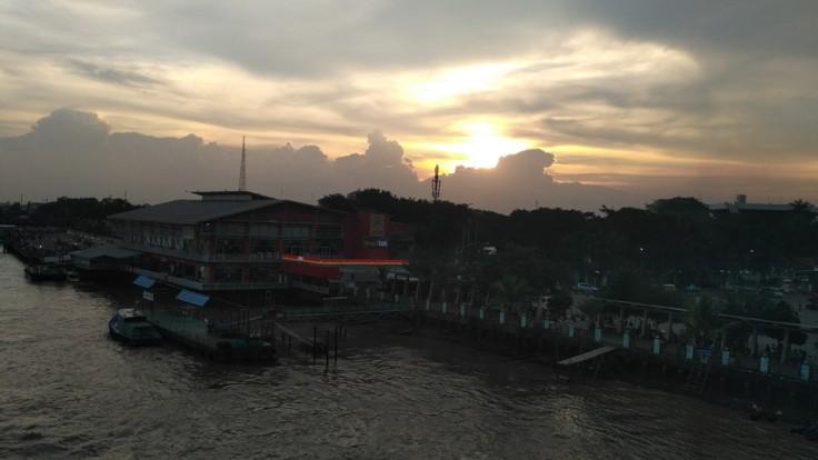 Senja di Sungai Musi